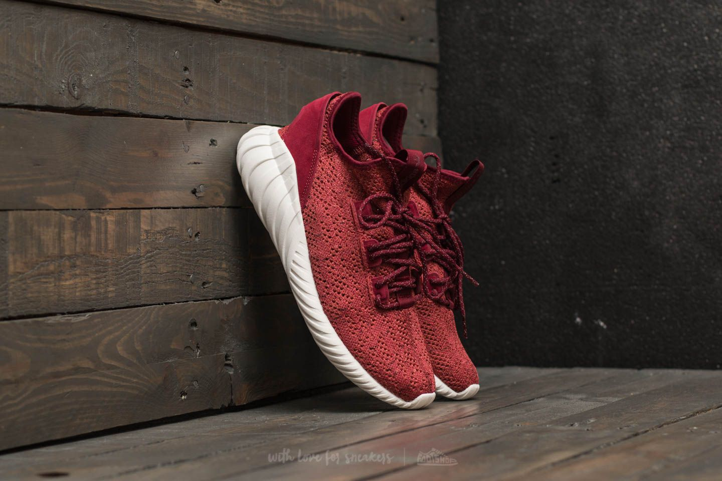 historia Me gusta cera  Men's shoes adidas Tubular Doom Sock Primeknit Mystery Red/ Core Burgundy/  Crystal White | Footshop