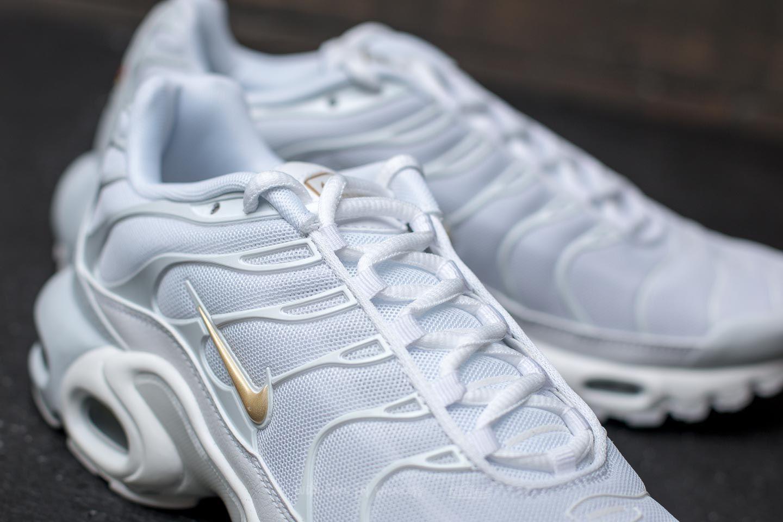 online retailer c1844 f0431 Nike Air Max Plus Pure Platinum/ Metallic Gold | Footshop