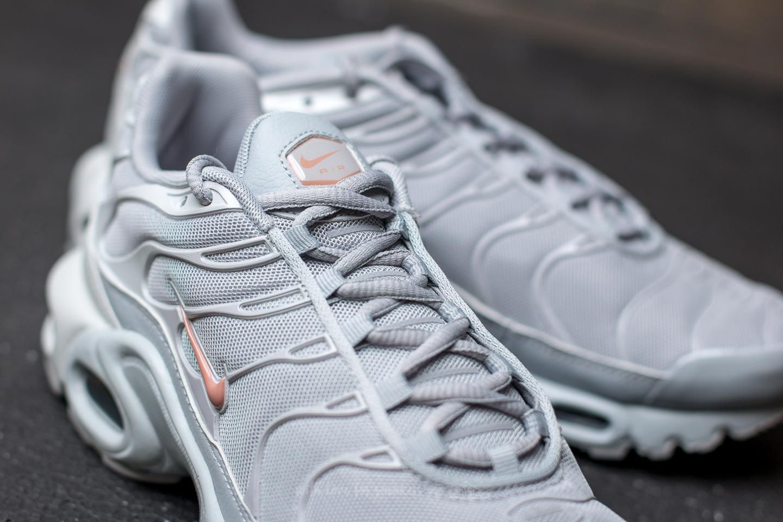 hot sale online 23e32 cd9ab Nike Air Max Plus Wolf Grey/ Metallic Rose Gold | Footshop