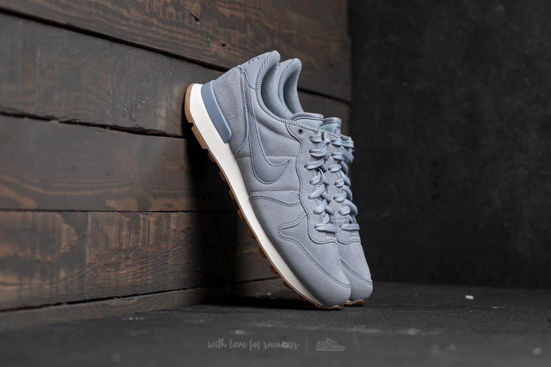 c817ab17109 Nike W Internationalist SE Glacier Grey  Glacier Grey
