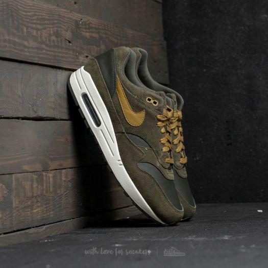 SNEAKER LIFE: Nike Air Max 1 Leather Premium –