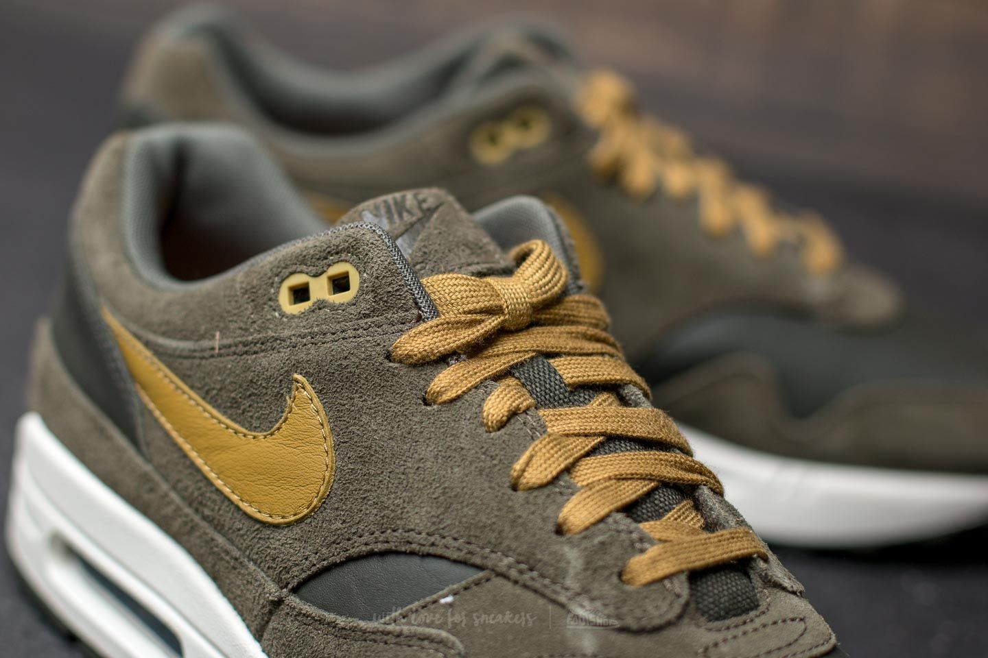 Nike Air Max 1 Premium Leather Sequoia Desert Moss | Footshop