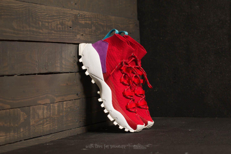 adidas Seeulater Winter Primeknit Scarlet/ Core Black/ Shock Purple za skvělou cenu 3 490 Kč koupíte na Footshop.cz
