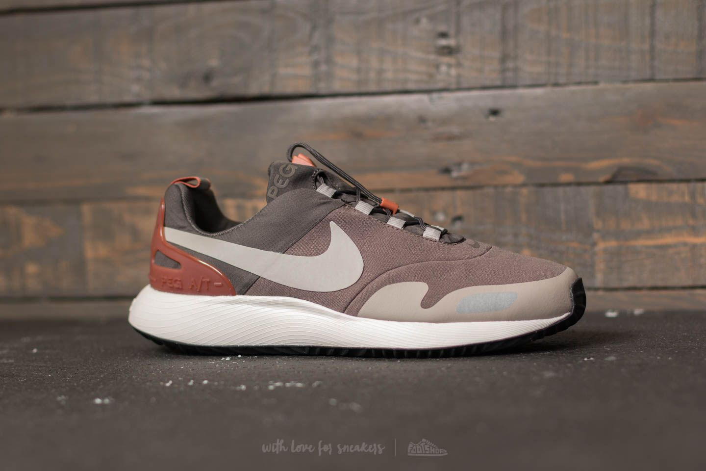 Nike Air Pegasus A T Midnight Fog  Cobblestone at a great price £79 17c18a631e84