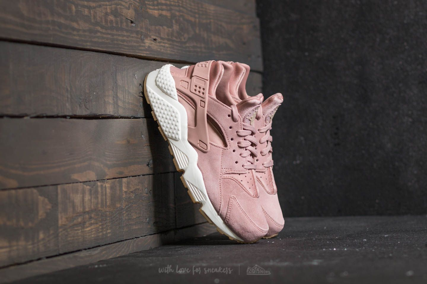 nike wmns air huarache run rosa
