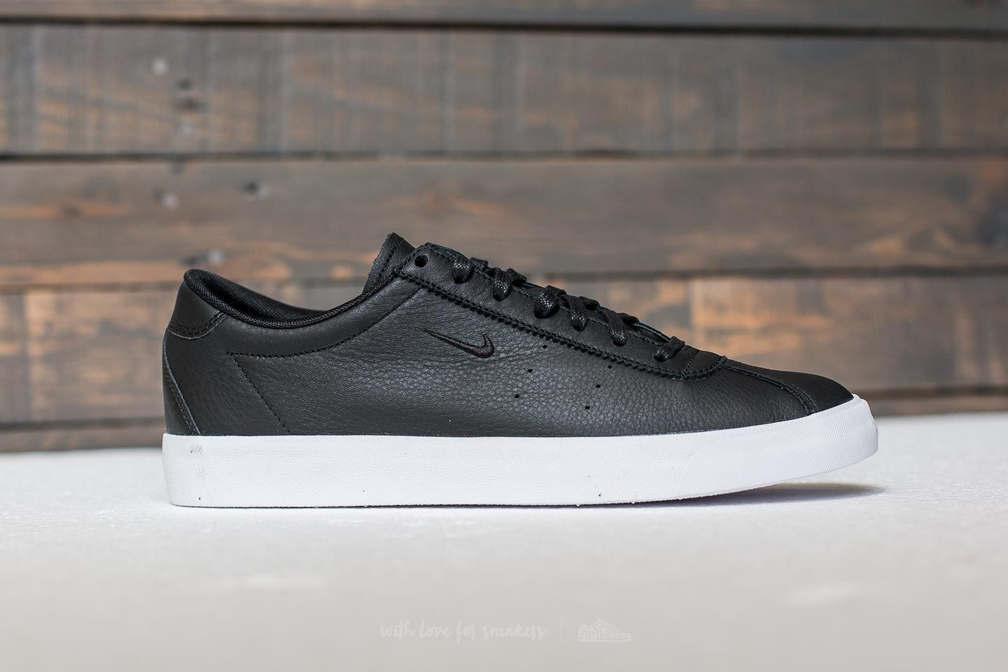 more photos 40407 04451 Nike Match Classic Leather Black  Black at a great price 77 € buy at  Footshop