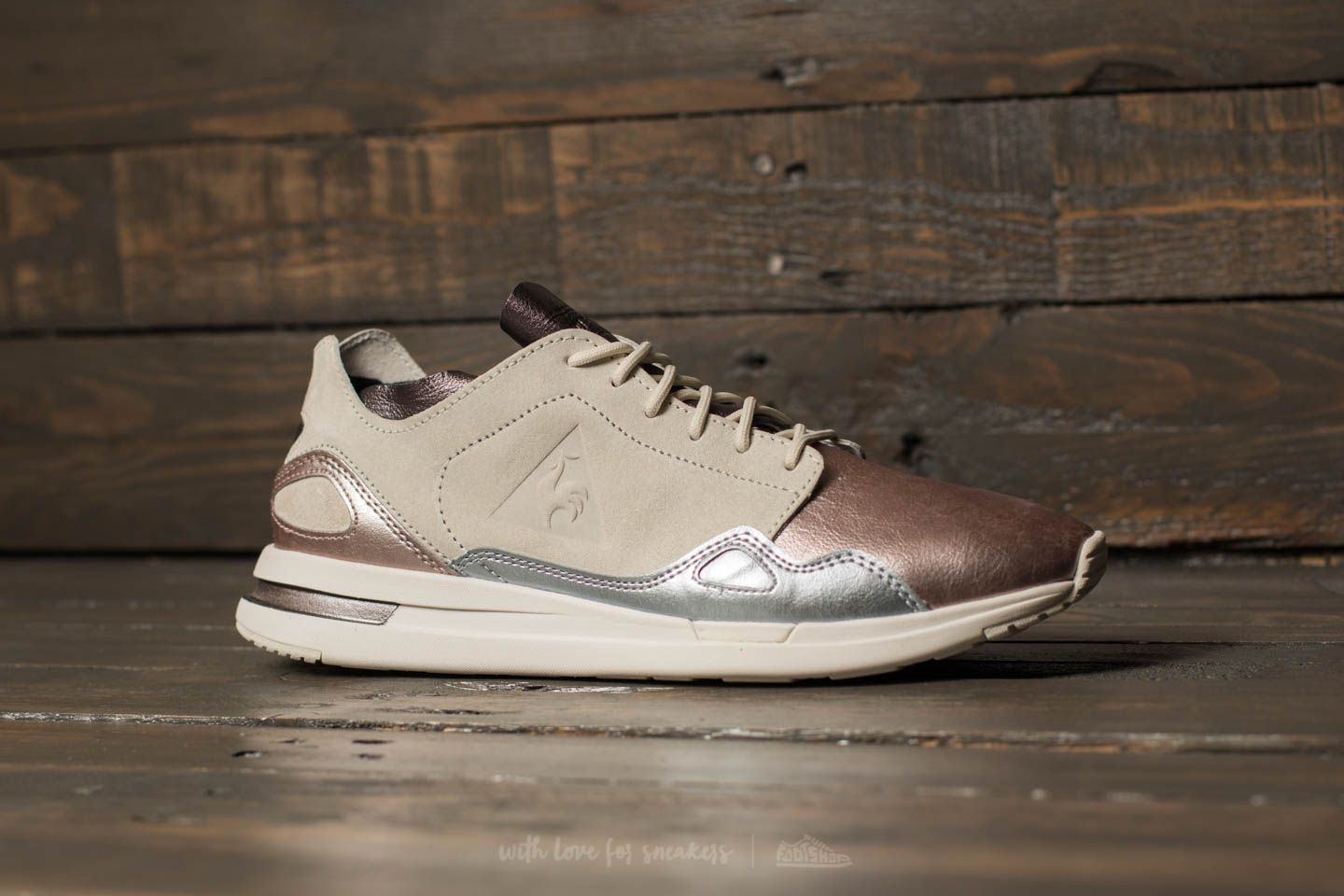 e1a2aa3b1263 le coq sportif LCS R Flow Metallic Leather Mix Multicolour at a great price  77 €