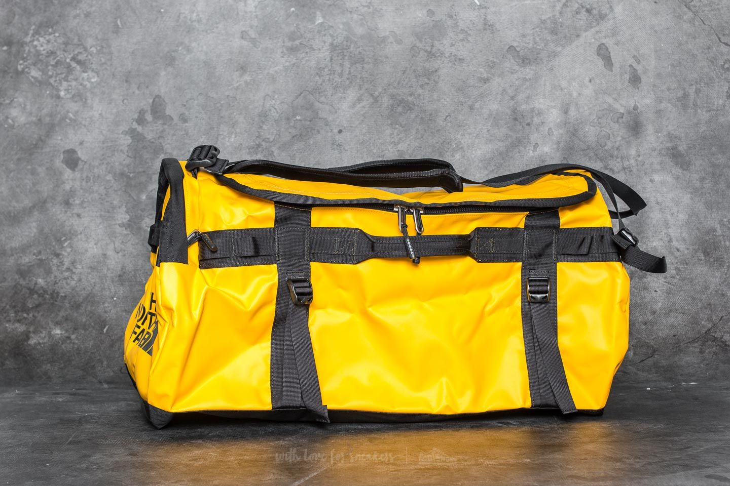 The North Face Base Camp Large Duffel Summit Gold  Tnf Black  a6789f5274b7