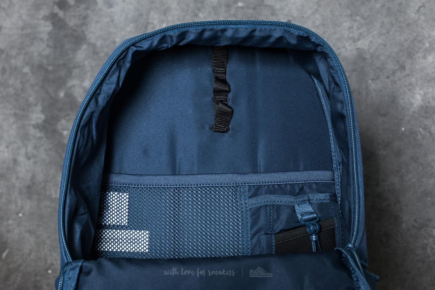 Herschel Supply Co. Mammoth Medium Backpack Peacoat  Forest Night at a  great price  60 21866561f3196