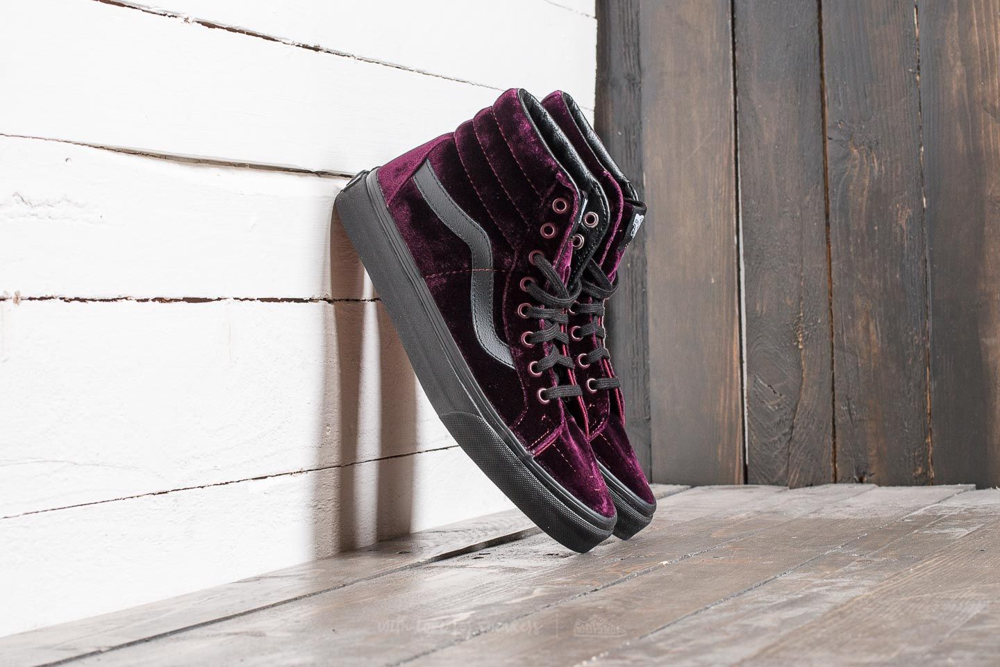 6470334157 Vans Sk8-Hi Reissue (Velvet) Red  Black
