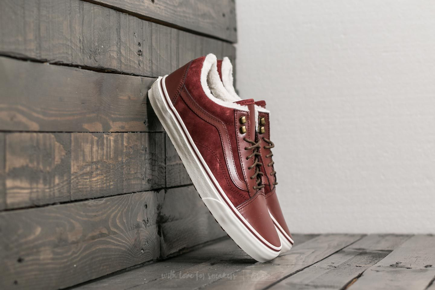 a5e59583b94 Vans Old Skool MTE DX Burgundy  Marshmallow
