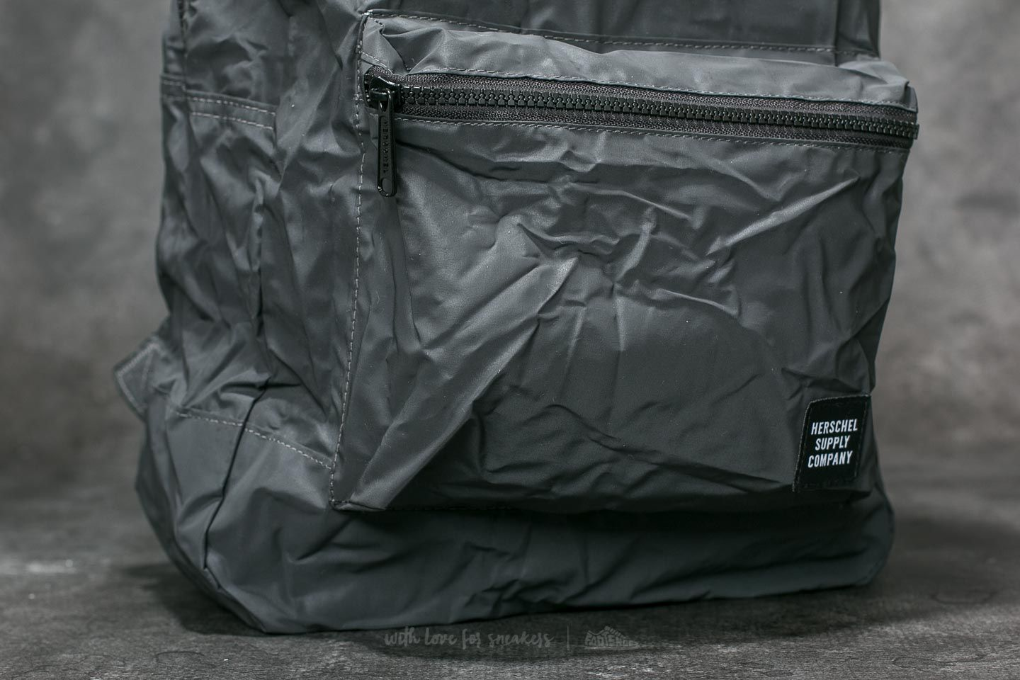 3bbfb2eaf976 Herschel Supply Co. Daypack Backpack Black Reflective at a great price 31 €  buy at