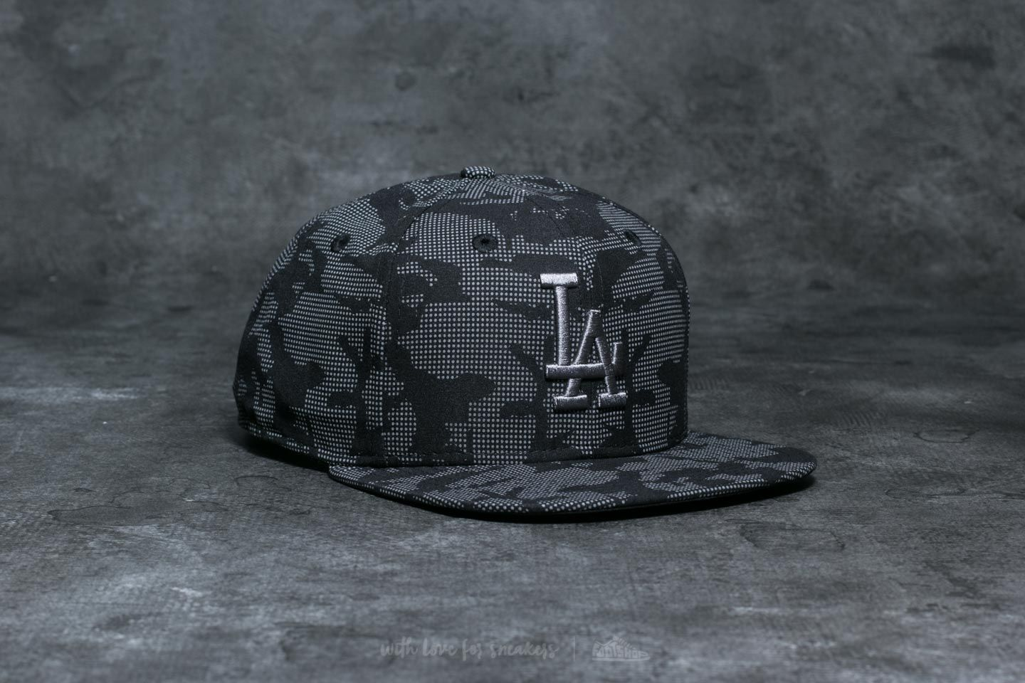 buy popular 6851e d5ace New Era 9Fifty League Essential Los Angeles Dodgers Cap Night Time  Reflection