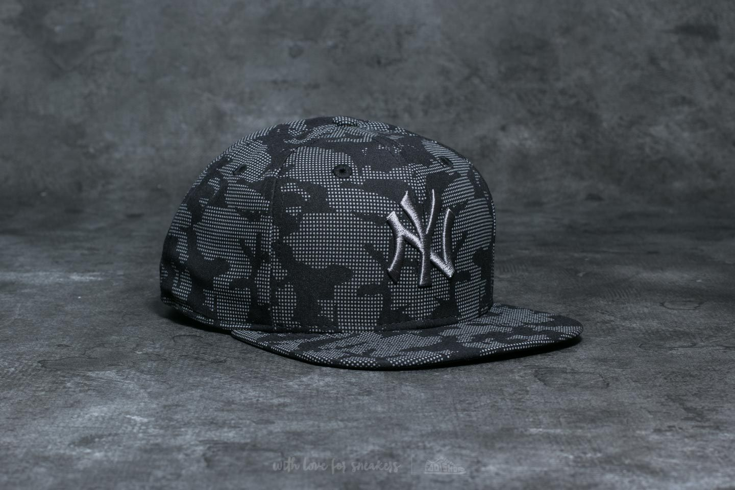 New Era 9Fifty New York Yankees Cap Night Time Reflective  88c7ba7c37e