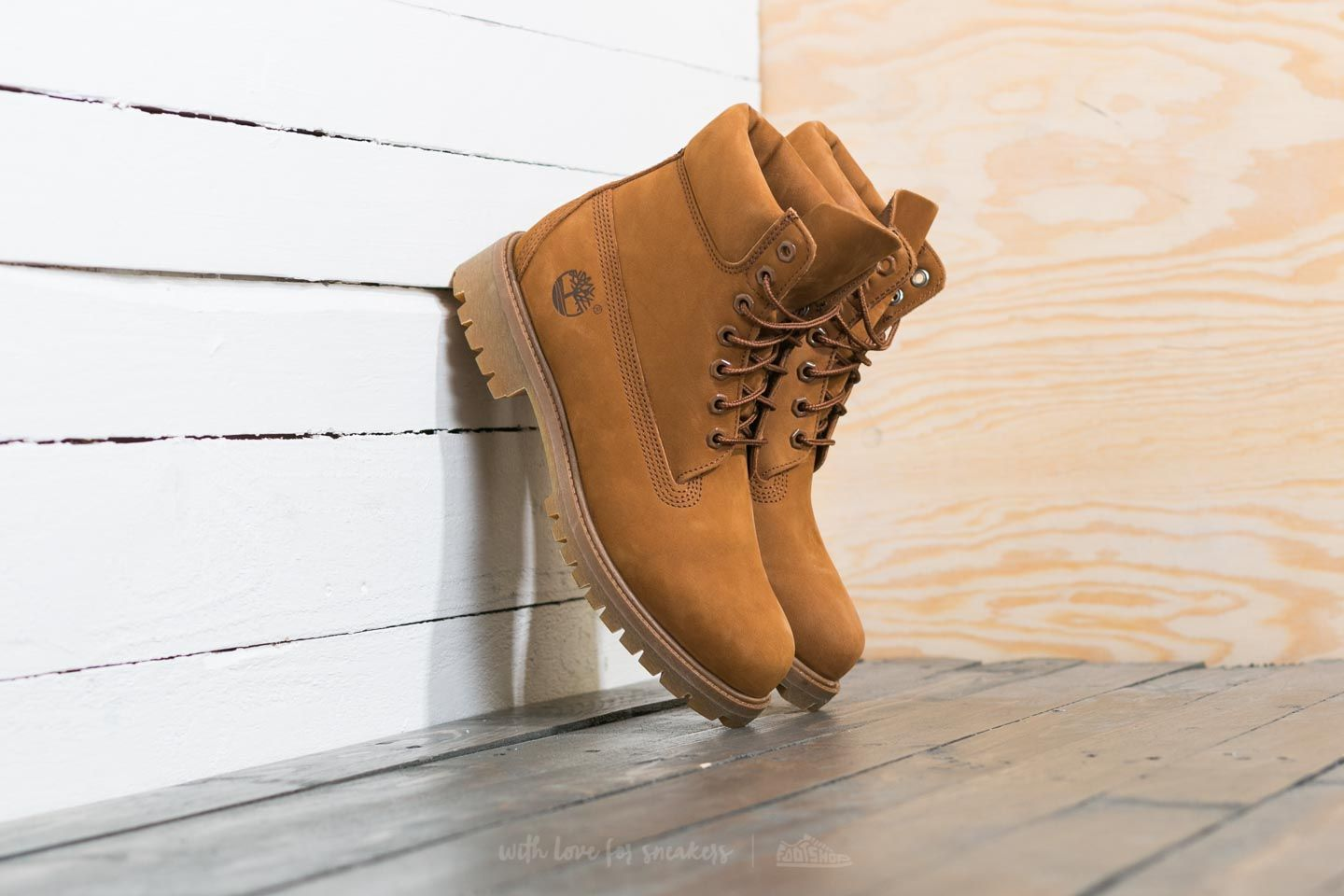 Timberland Icon 6-Inch Boot Trapper Tan Waterbuck  a79b0ab26