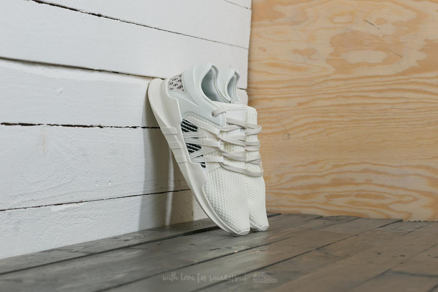 outlet store 4a5b7 1eb98 adidas Equipment Racing ADV W