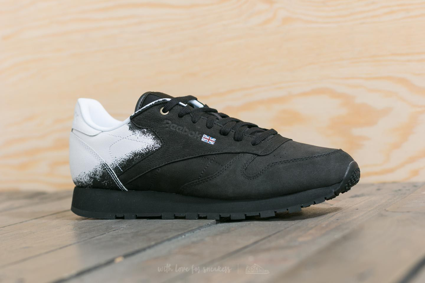 e5fd468e Reebok x Montana Cans Classic Leather Black/ White | Footshop
