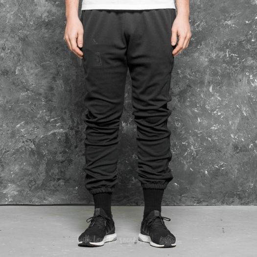 Frill Wild refresh  Pants and jeans adidas Yeezy Calabasas Track Pant Black/ Black | Footshop