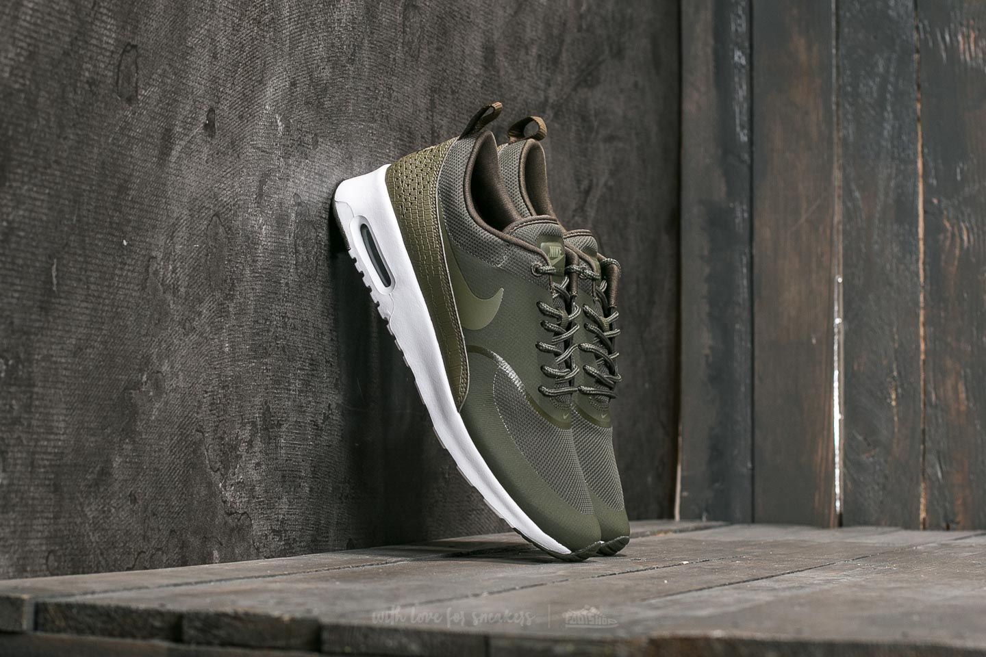 Nike W Air Max Thea Cargo Khaki/ Medium Olive/ White | Footshop