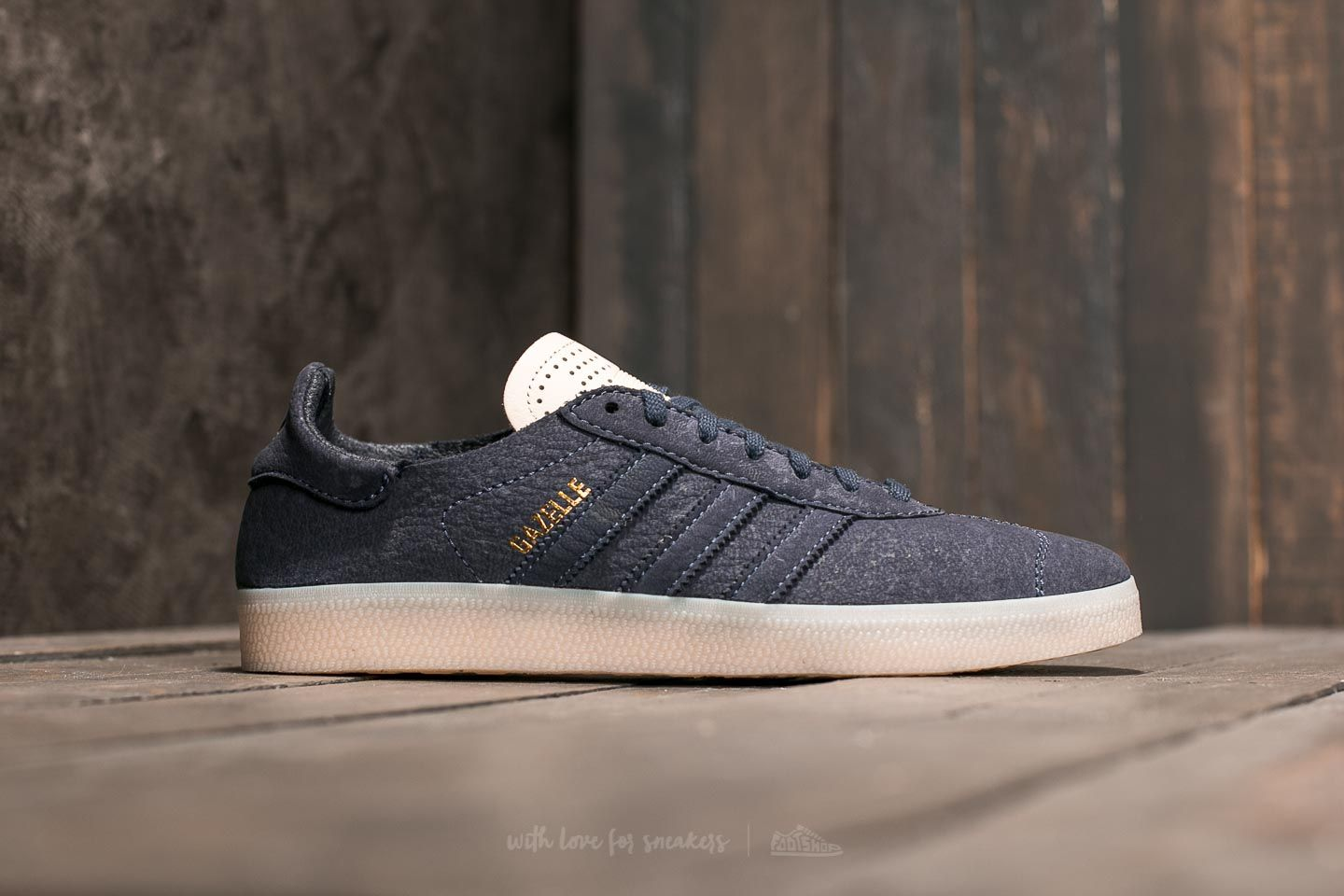 check out 5496f 92a47 adidas Gazelle