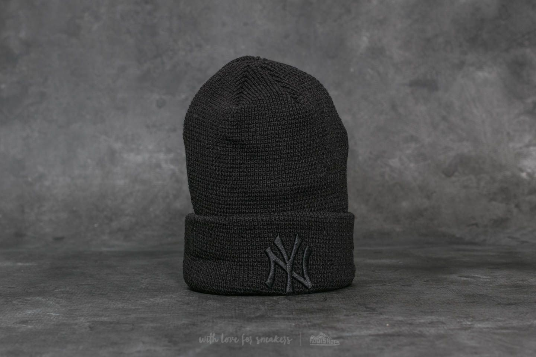 New Era MLB Essential Waffle Knit New York Yankees Beanie Black