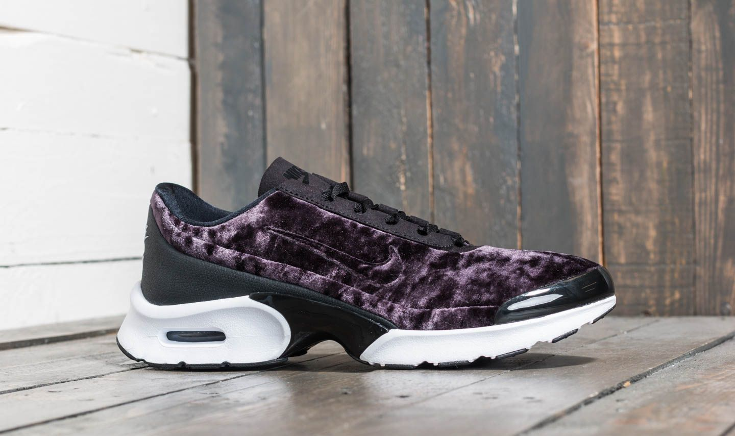 brand new 5ee08 97319 Nike W Air Max Jewell Premium Black  Black at a great price £89 buy