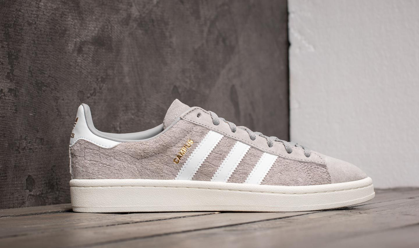 discount 580b2 f9f0b adidas Campus W Mgh Solid Grey Ftw White Gold Metallic at a great price