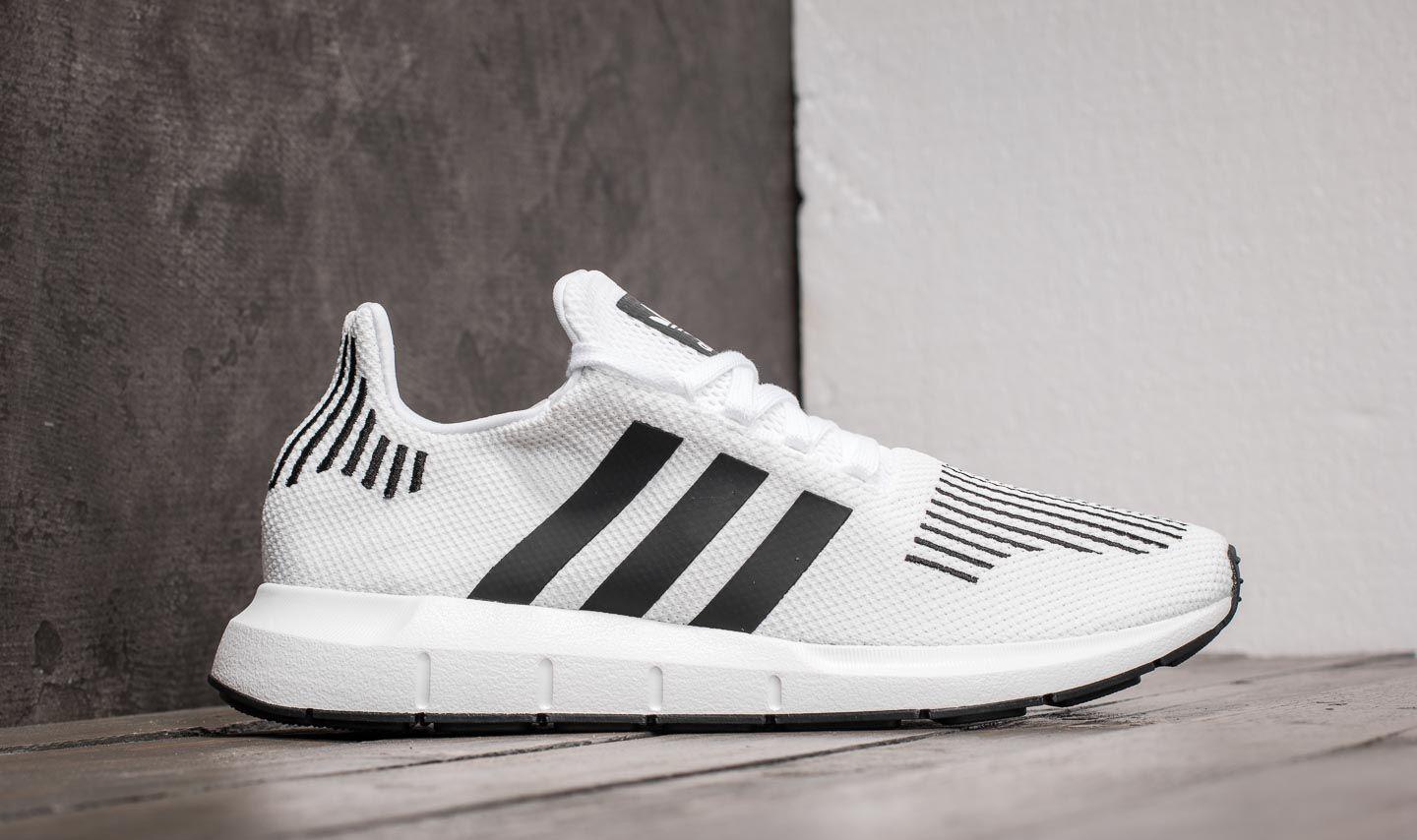 0f7c28256a088e adidas Swift Run Ftw White  Core Black  Mgreyh at a great price 90 €