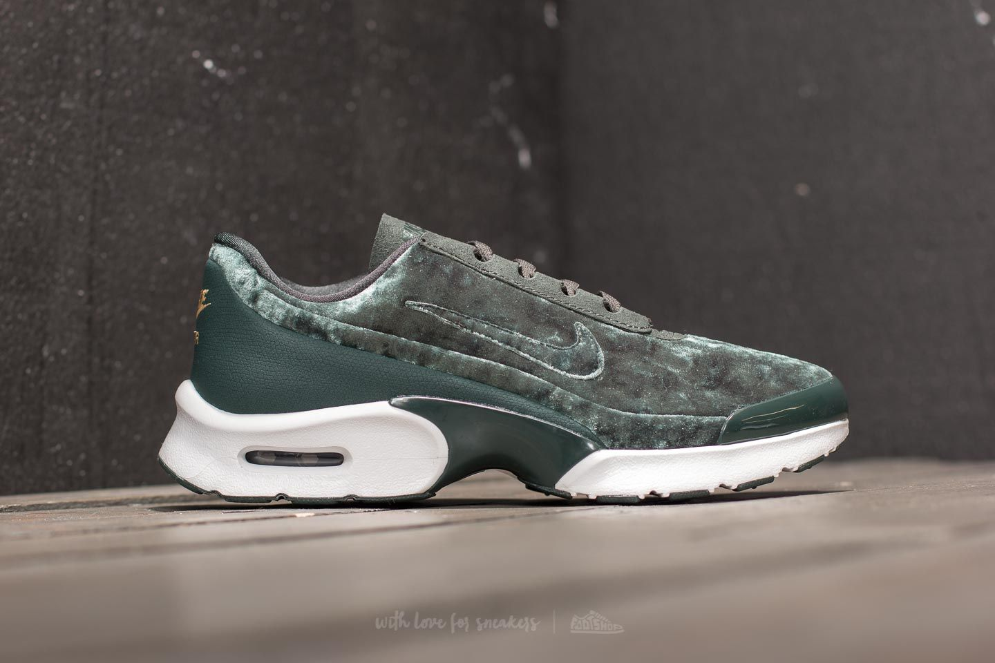 Nike Air Max Jewell Premium W Outdoor Green Outdoor Green   Footshop