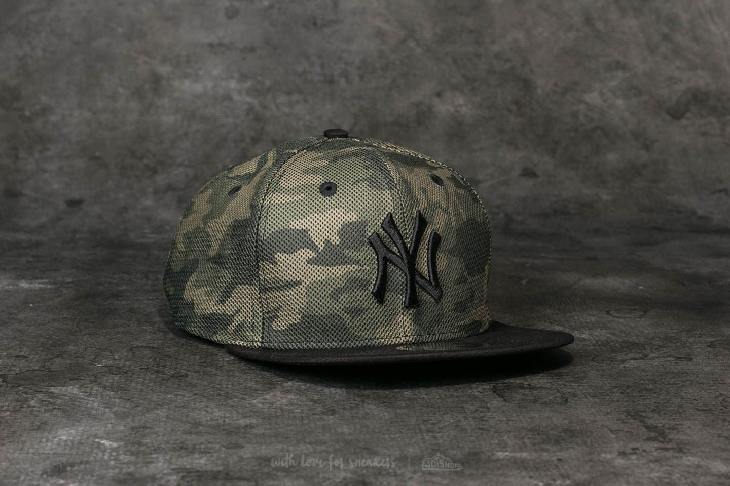 New Era 9Fifty MLB Mesh Overlay New York Yankees Cap Camo  Black ... 612e77913d8