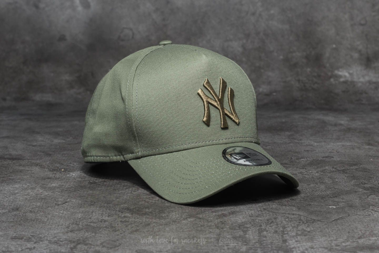 New Era MLB League Essential New York Yankees Cap Green ... f3153ae4f