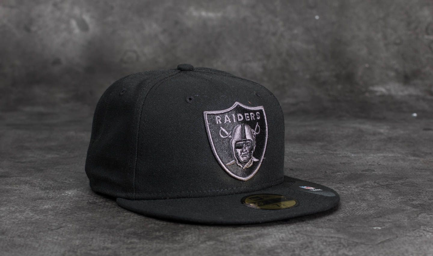 20c8dcbd5fd New Era 59Fifty NFL Black Graphite Oakland Raiders Cap Black | Footshop