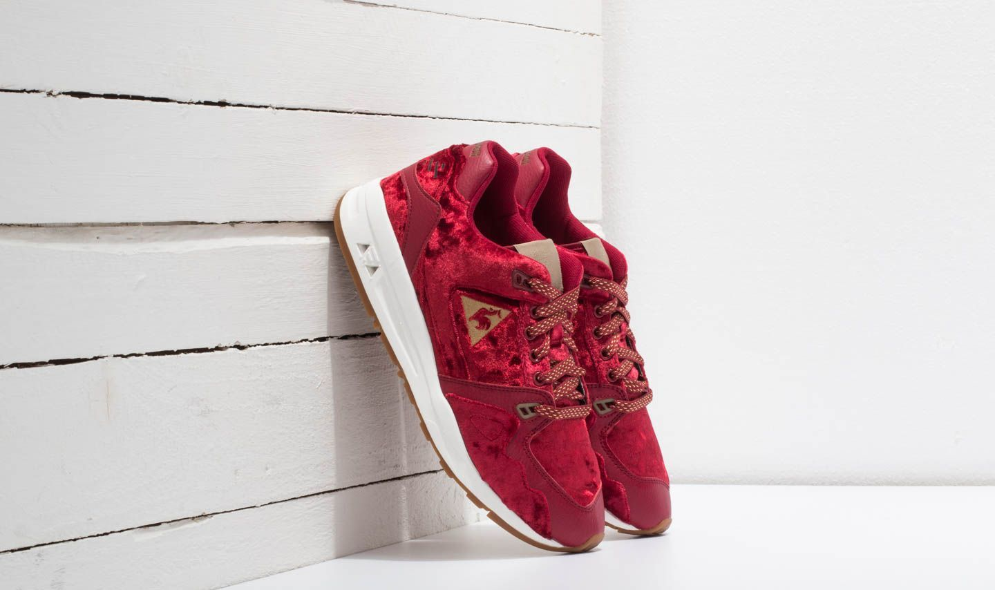 le coq sportif R1000 Velvet Rio Red/ Old Brass