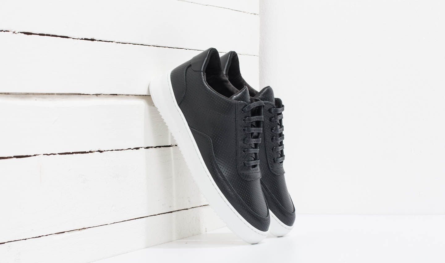 2d426abd611bff Filling Pieces Low Mondo Ripple Nappa Perforated Black
