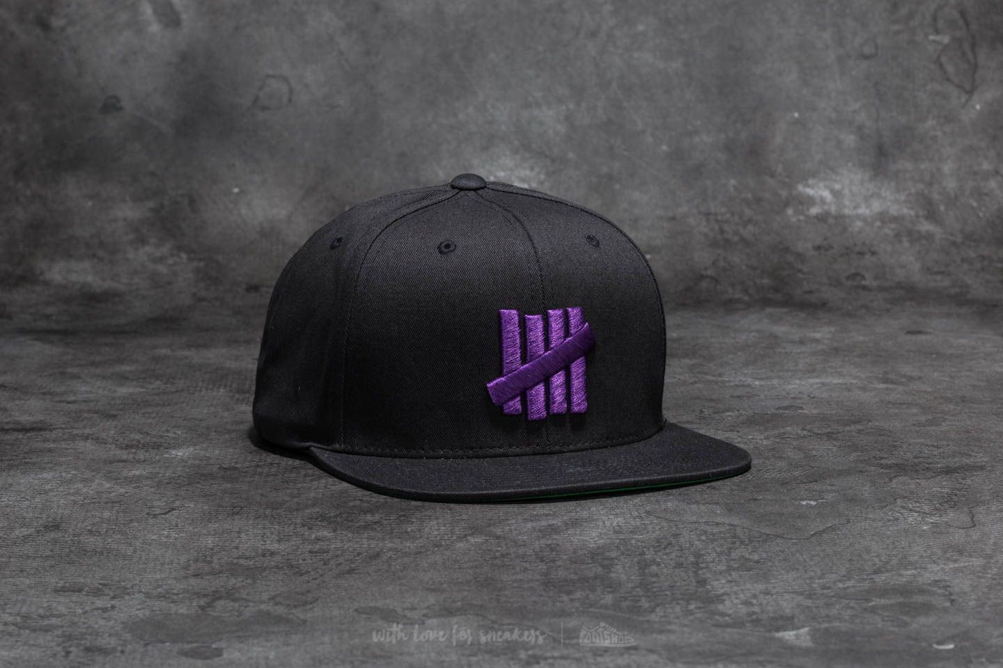 e9d53110c0f02 Undefeated 5 Strike Snapback Black