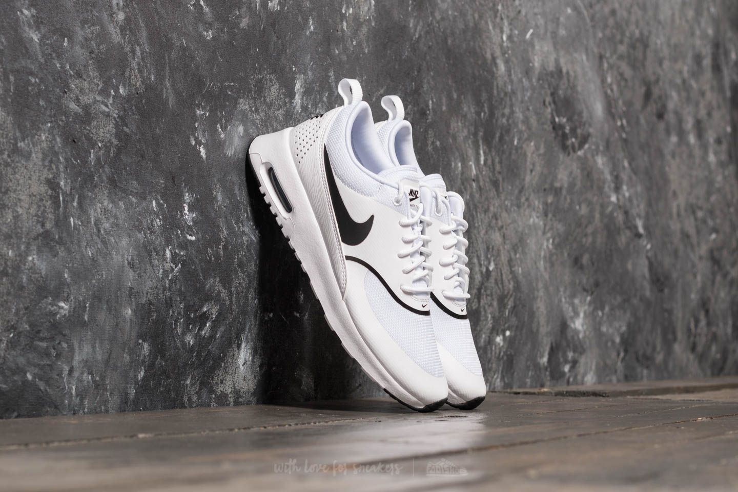 best service 2fdb1 c893b Nike Wmns Air Max Thea White  Black at a great price 121 € buy at