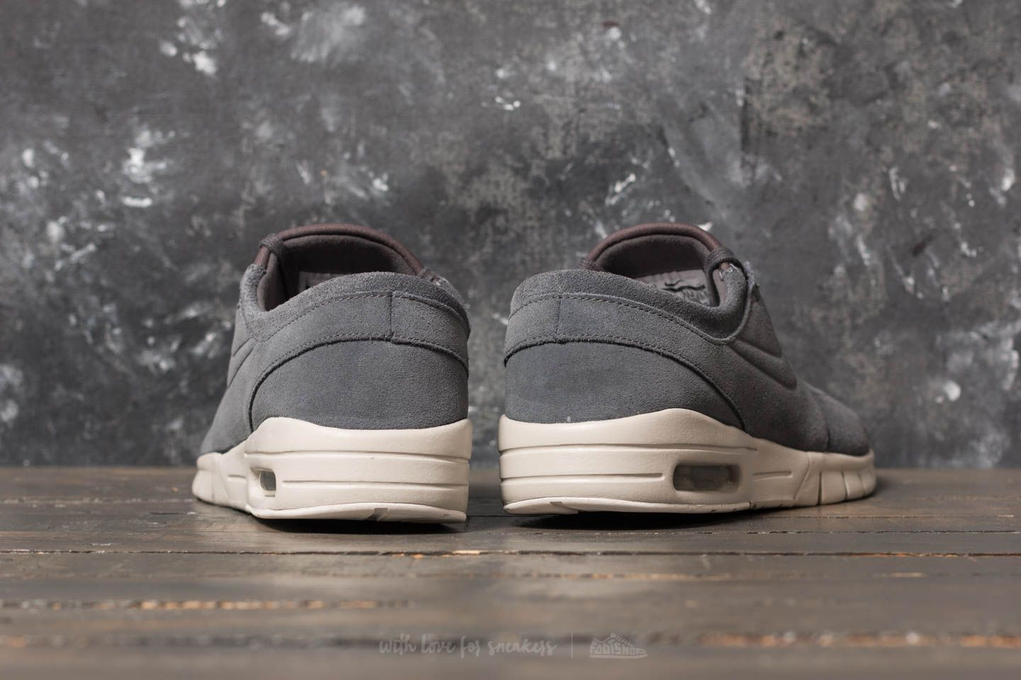 free shipping 50b40 cdc44 ... usa nike stefan janoski max l dark grey dark grey light bone at a great  ac269