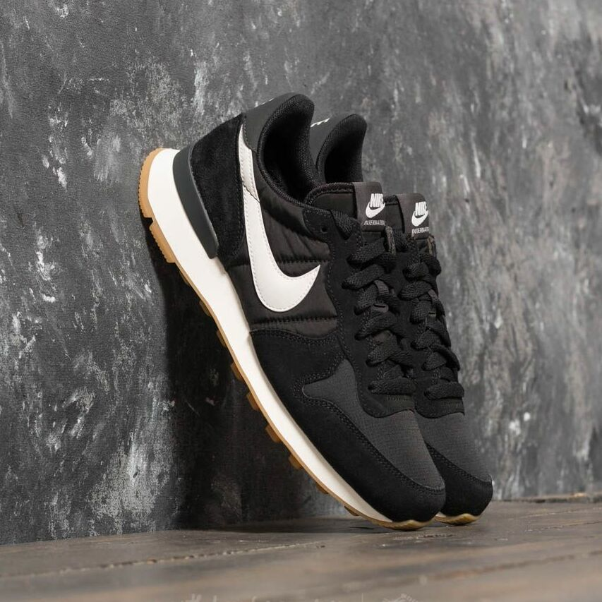 Nike Wmns Internationalist Black/ Summit White-Anthracite-Sail EUR 40.5