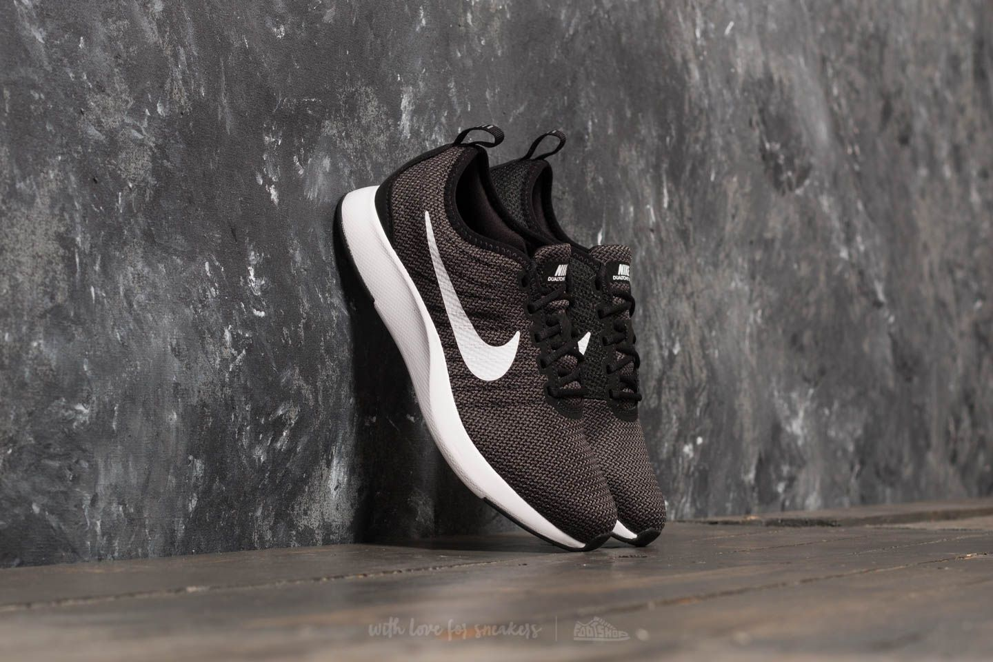 Nike dualtone racer gs black white dark grey at a great price
