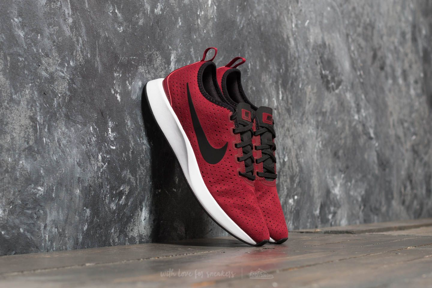cfb1492a9d84 Nike Dualtone Racer Premium Team Red  Black-White