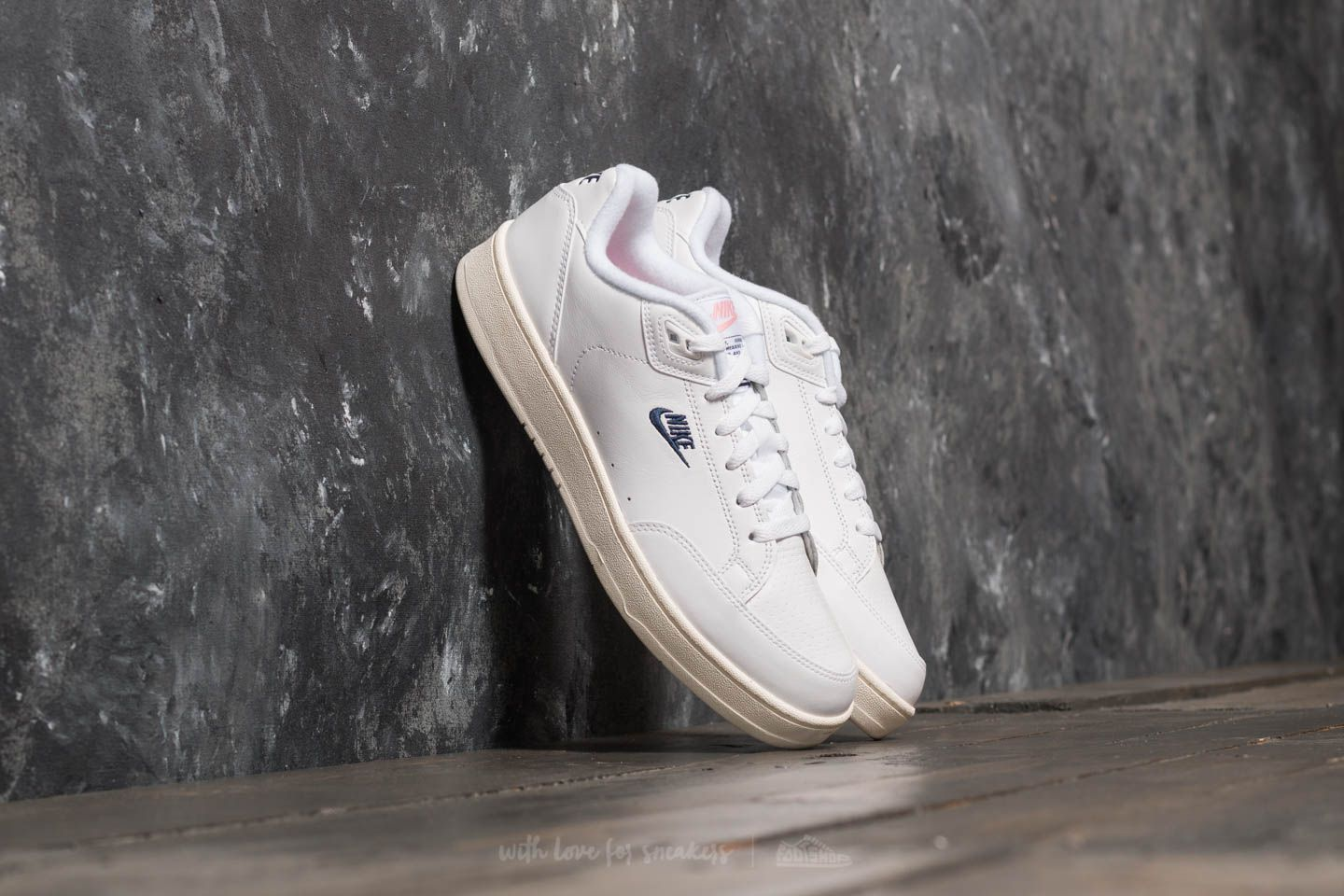 Nike Grandstand II White  Navy  Sail - Arctic Punch  7f5b0859fda