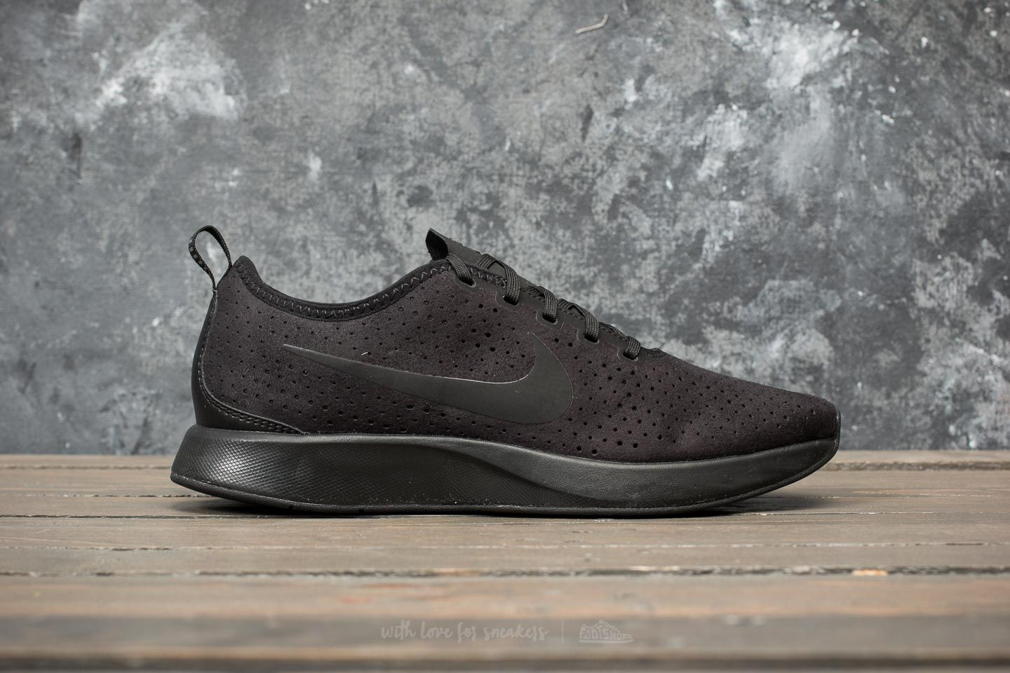Nike Dualtone Racer PRM Black  Black  Black at a great price 95 € buy cb13c12bc