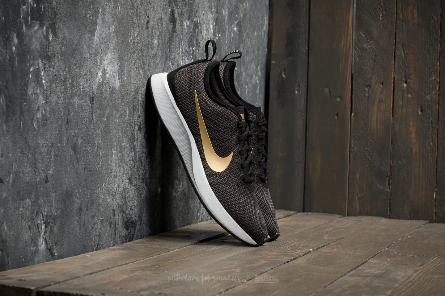 Nike W Dualtone Racer SE Black/ Metallic Gold-Dark Grey