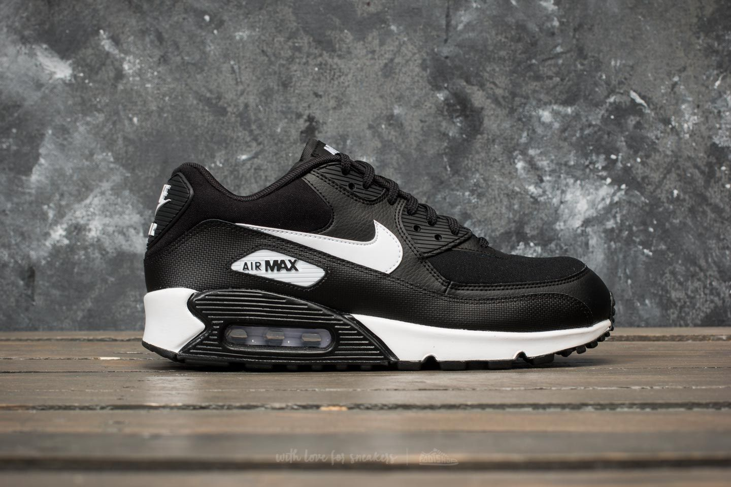 wholesale dealer 5b22d dba01 Nike Wmns Air Max 90 Black White at a great price 139 € buy at