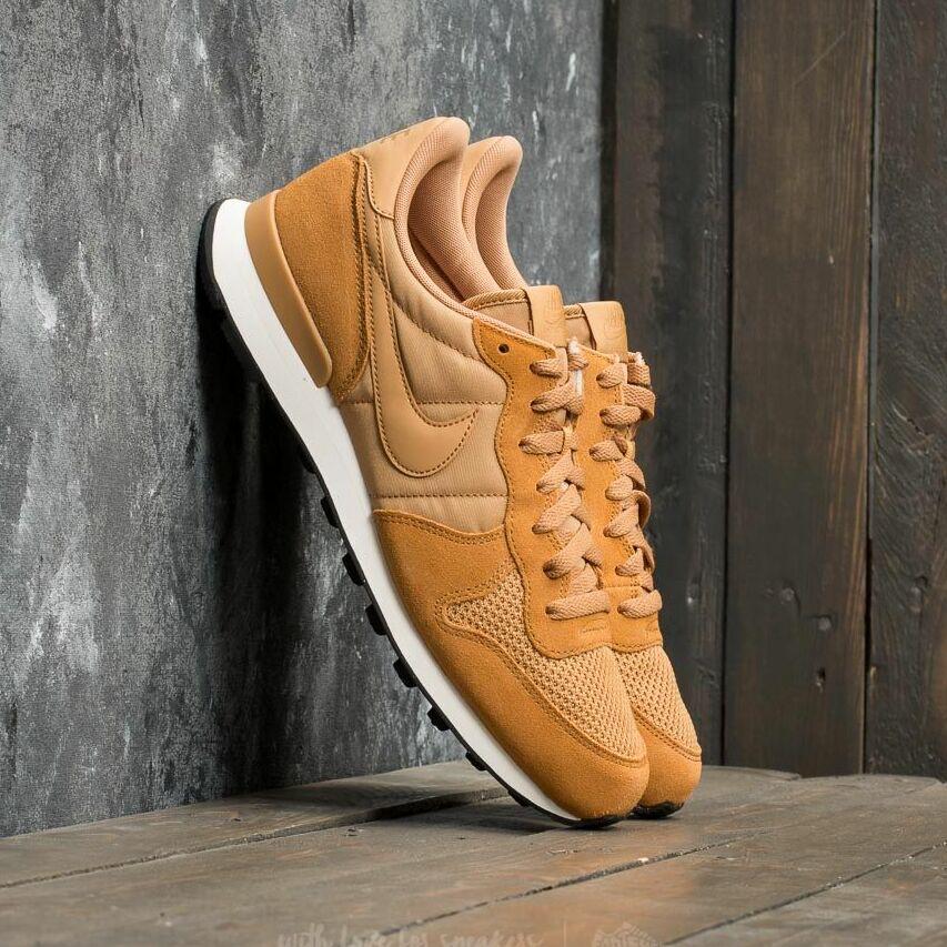 Nike Internationalist SE Elemental Gold/ Elemental Gold EUR 44.5