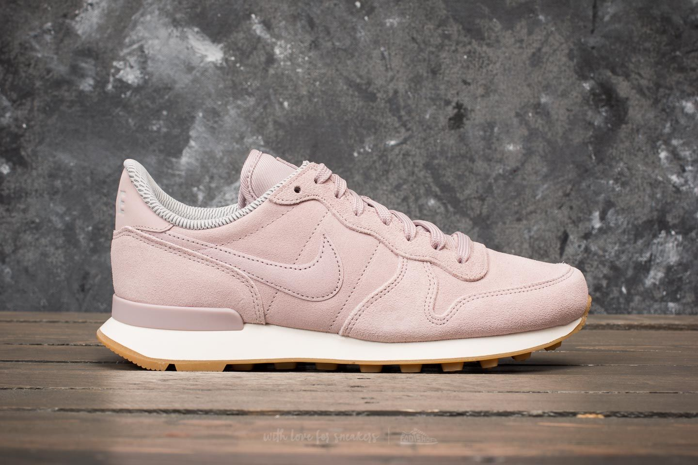 Nike W Internationalist SE Particle Rose  Particle Rose at a great price 70  € buy 5e3c1f2a1