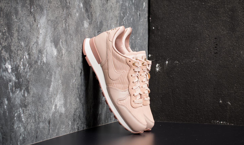 release date: b3a19 bb0ca Nike W Internationalist Premium. Particle Beige  Particle Beige