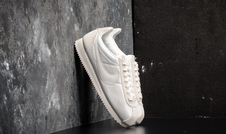 e8ec243f7880 Nike Wmns Classic Cortez Nylon Ivory  Ivory-Light Bone
