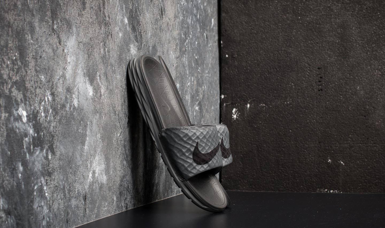 Nike Benassi Solarsoft Dark Grey/ Black za skvělou cenu 890 Kč koupíte na Footshop.cz
