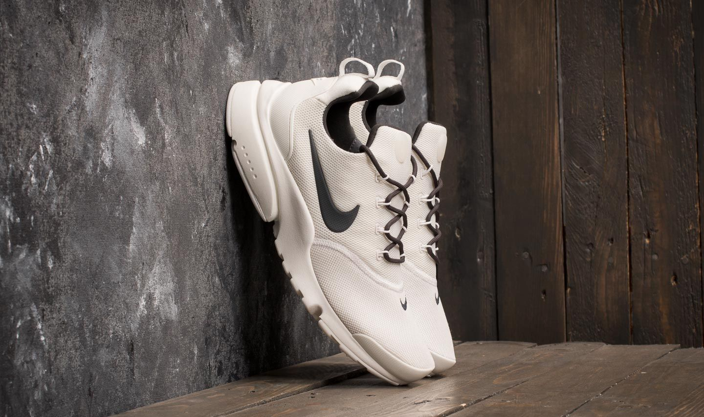 d0cd515496602d Nike Wmns Presto Fly Summit White  Anthracite